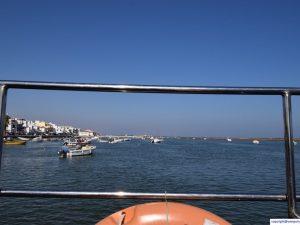 ferry_to_praia_da_terra_esteita